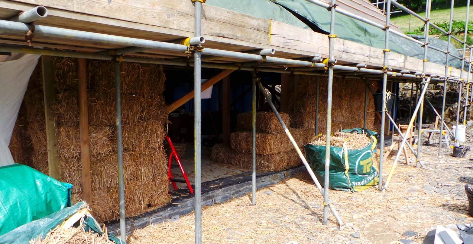 miscanthus bale house